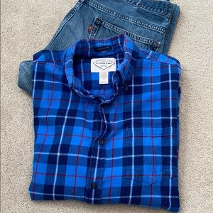 St. Johns Bay blue &red plaid flannel medium top